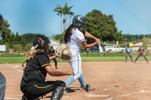 7 Differences Between Slowpitch And Fastpitch Softball